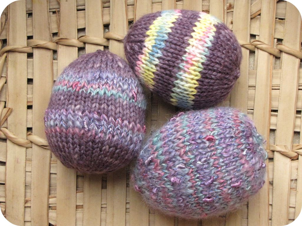 Knitted Easter Eggs Free Patterns : Knitted Easter Patterns and Tutorials - Natural Suburbia