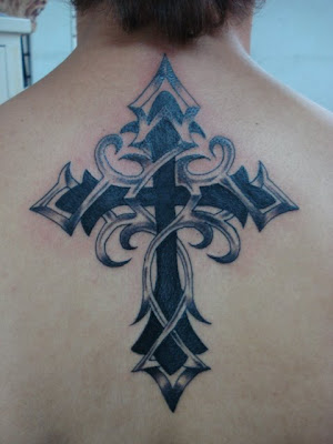 TATTOO: cruz-tribal