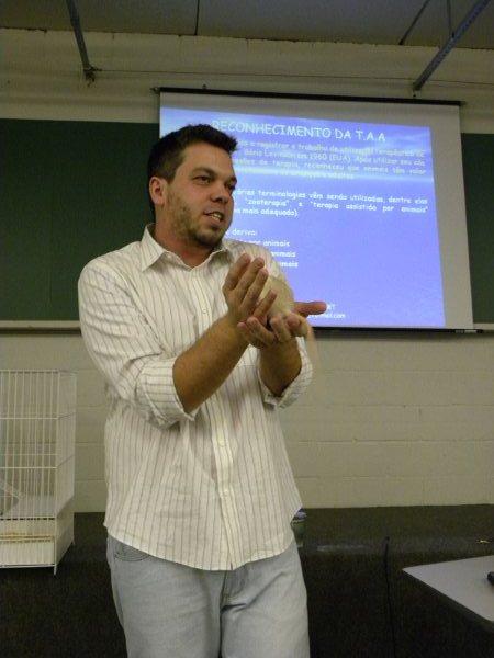 Samuel, durante palestra na Faculdade Anhanguera Educacional de Limeira