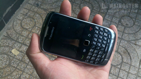 Blackberry curve 9300 coming soon blackberry tour 9650x for Housse blackberry curve 9300