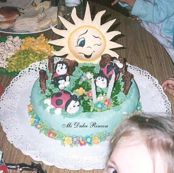 Tortas decoradas con vaquitas de san antonio - Imagui