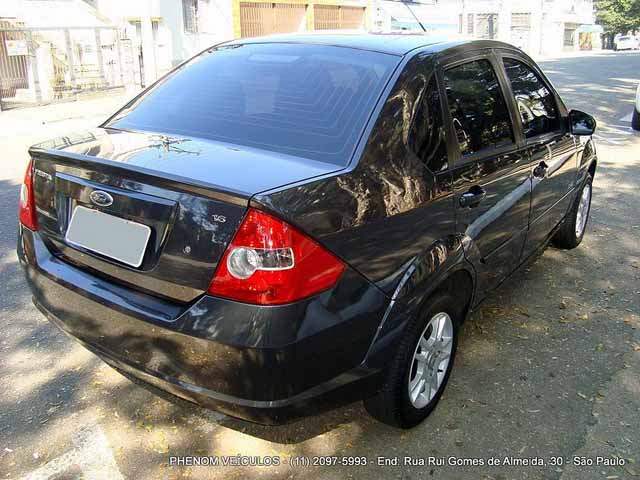 Ford Fiesta Sedan 2009 - Lteral e Frente