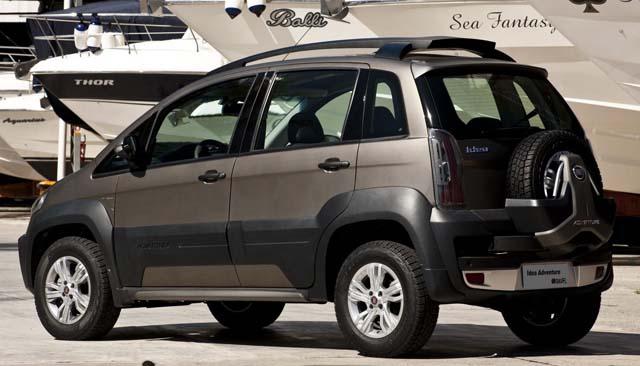 Novo Fiat Idea 2011 Adventure - Traseira