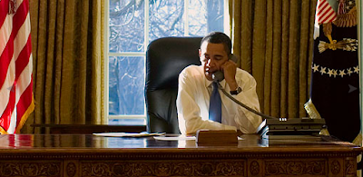 Obama in Oval Office 21 Jan 2009
