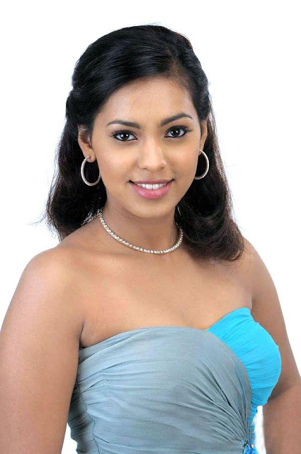 Mathi Yosi Shammu latest stills