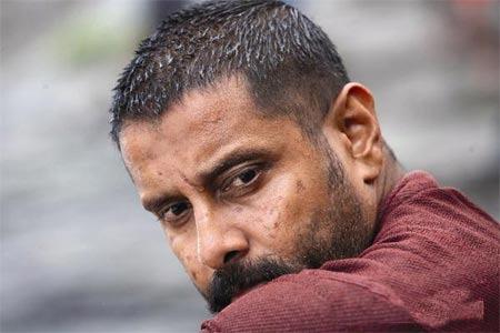 'Raavanan' Vikram avoids press meet