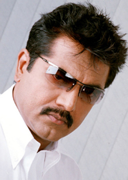 Sarathkumar plays hero in Malayalam film 'Metro'