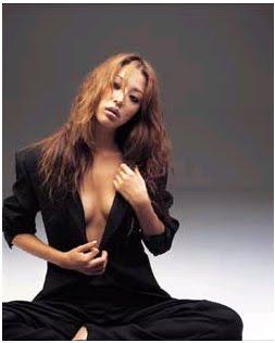 Han Go Eun Business Wear can be Eye Catching.