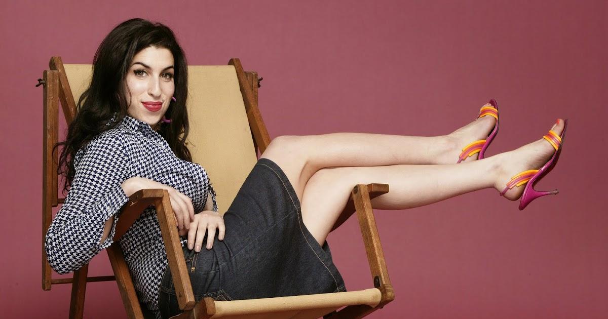 Hollywood Star Feet: Amy Winehouse Feet