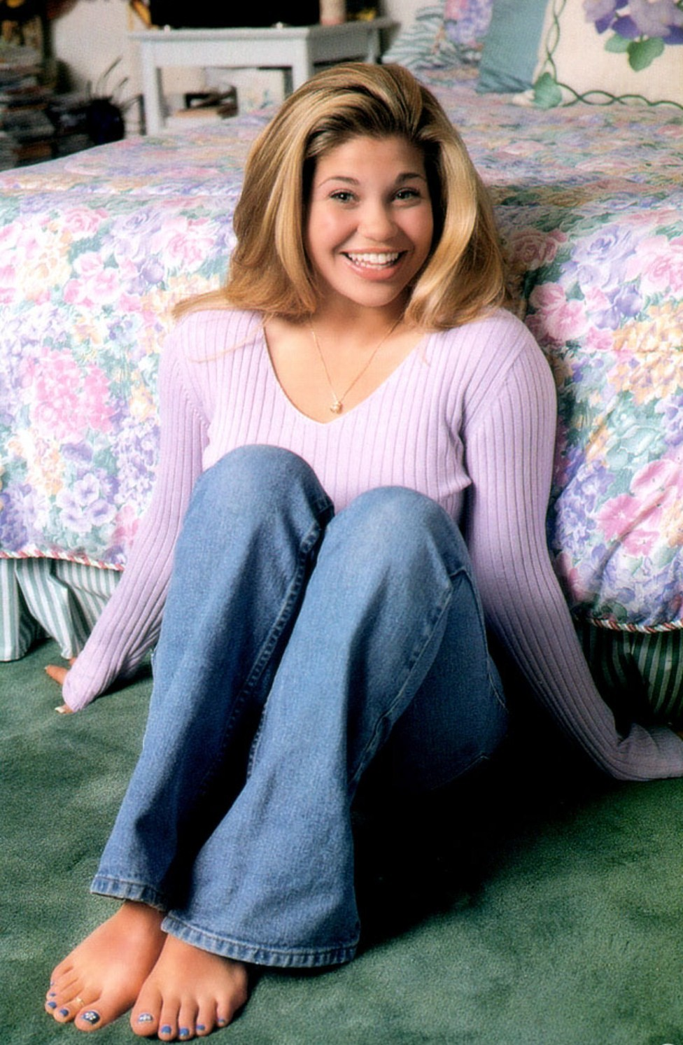 Howlerjunkie danielle fishel feet sciox Image collections