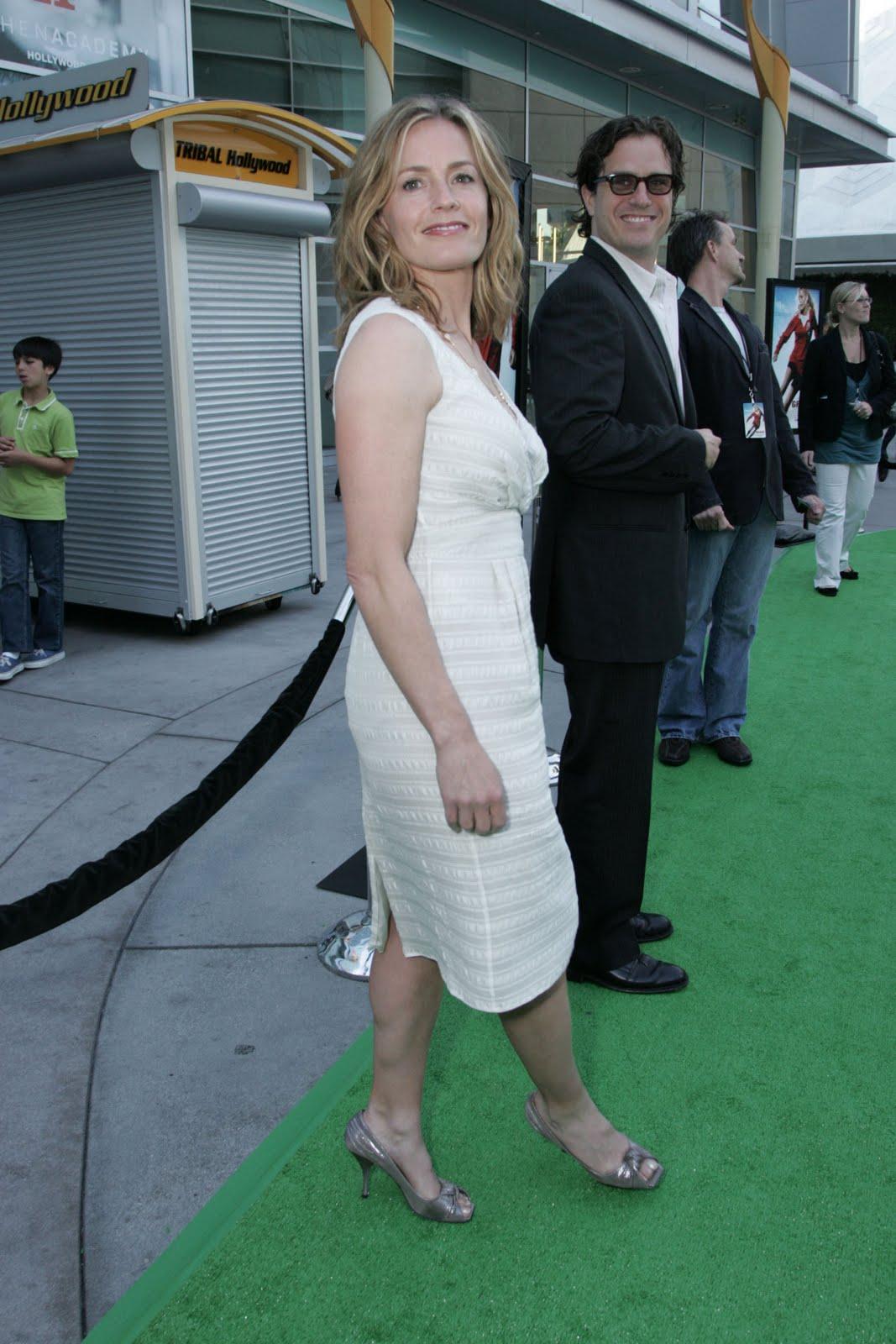http://2.bp.blogspot.com/_UaLWp72nij4/S7Uqr8UHefI/AAAAAAAAF7E/OTbbkUnomKM/s1600/elisabeth-shue-feet-4.jpg