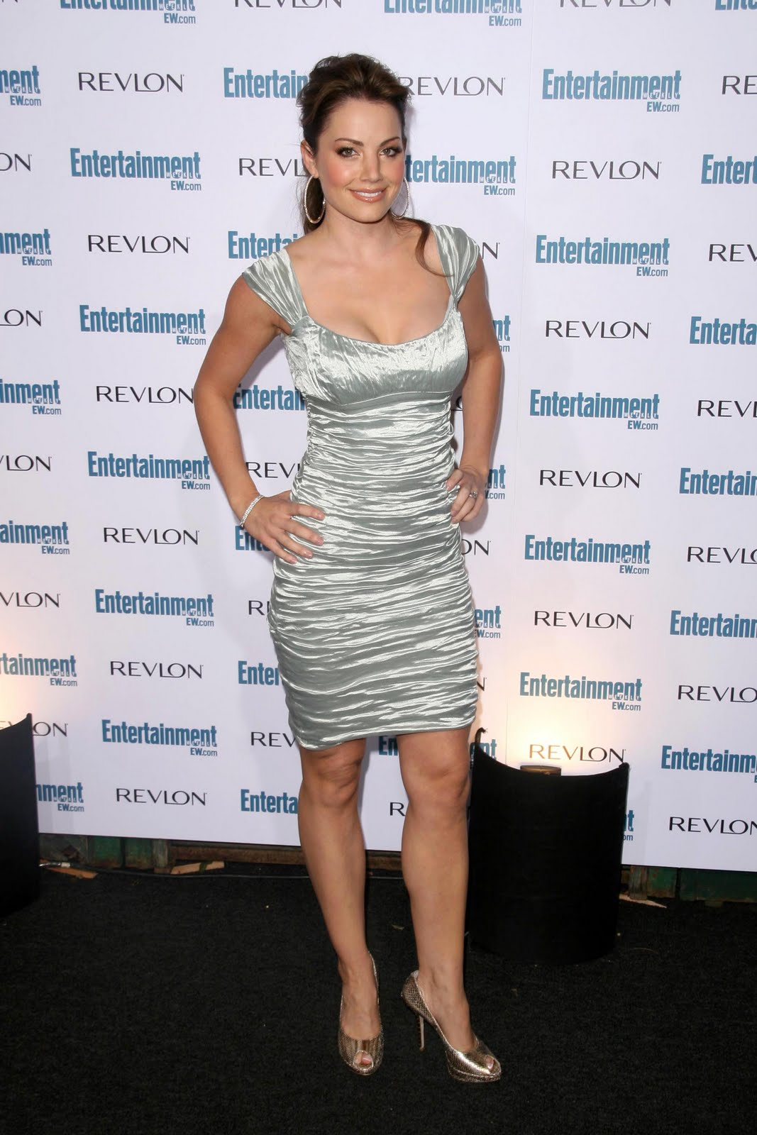 Erica Hill Feet And Shoes http://www.hollywoodfeet.com/2010/04/erica-durance-feet.html