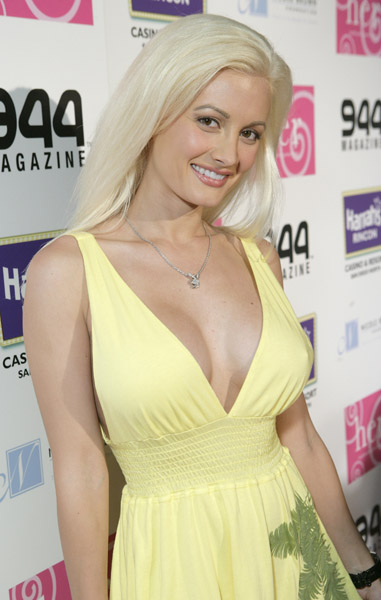 36D Breast Size Photos http://www.brasizefinder.com/2010/04/holly-madison-bra-size.html