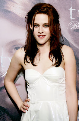 Kristen Stewart Boob on Kristen Stewart Bra Size  Celebrity Breast And Cup Size