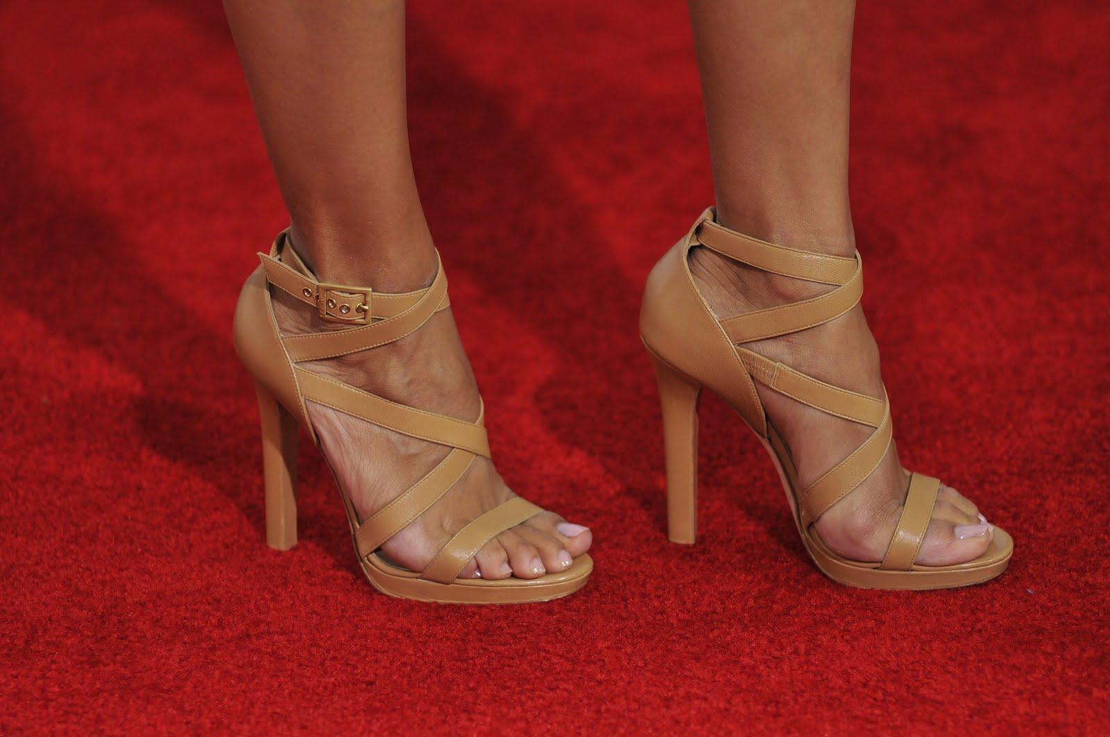 Celebrity Shoe Sizes - YouTube