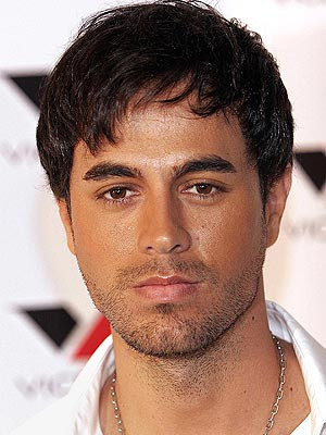 Enrique Iglesias Hairstyle on Enrique Iglesias Height   How Tall Is
