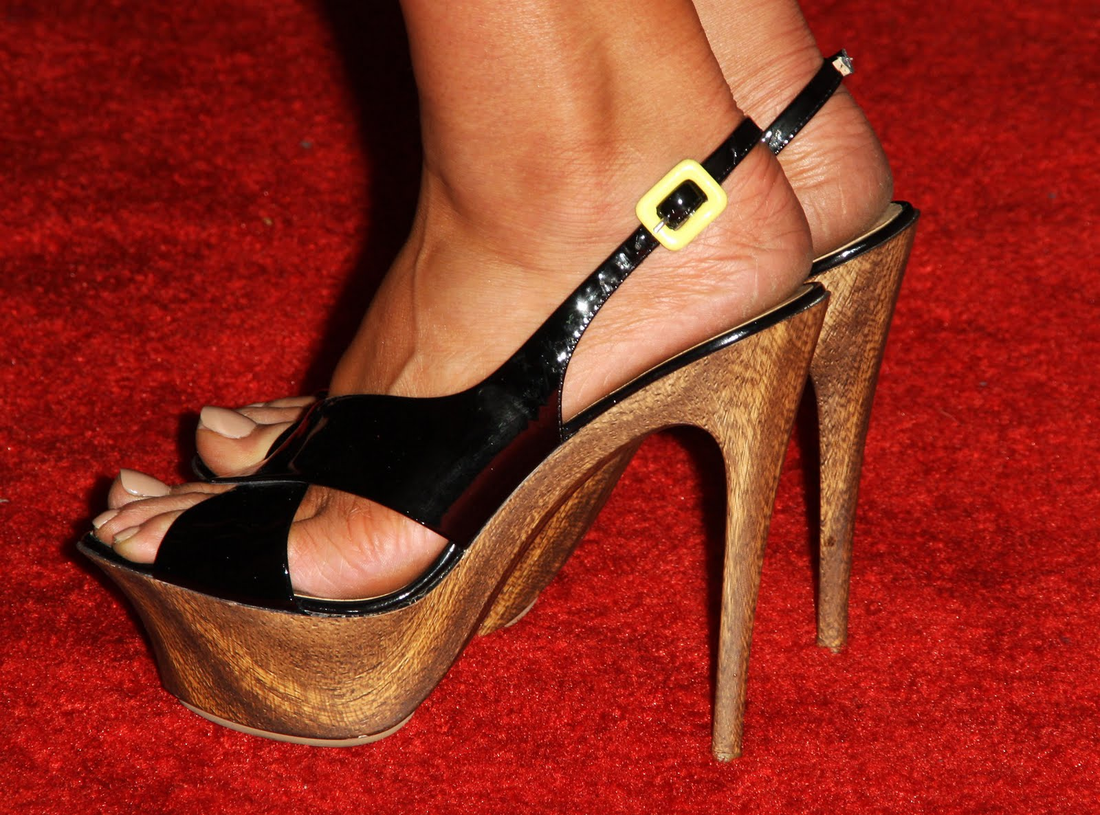 Celebrity Feet Pictures