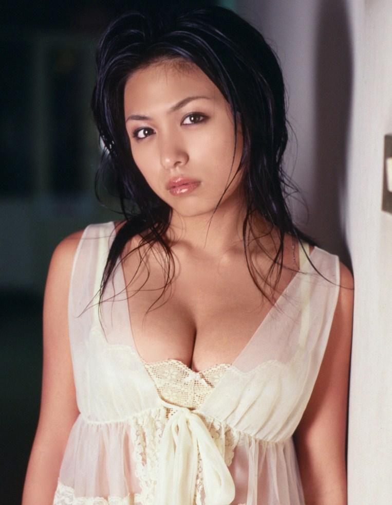 34c breast size. Yukie Kawamura Bra Size: 34C
