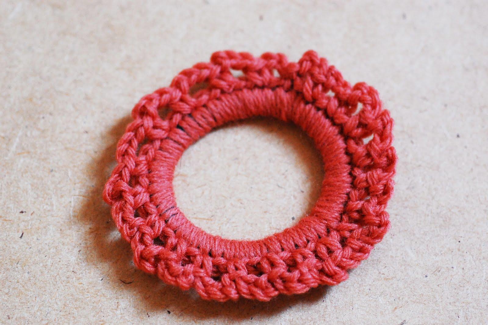 Maize Hutton: The Crocheted Scrunchie Tutorial!