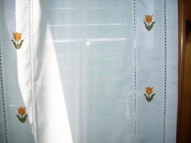 Minhas tulipinhas em janela italiana!