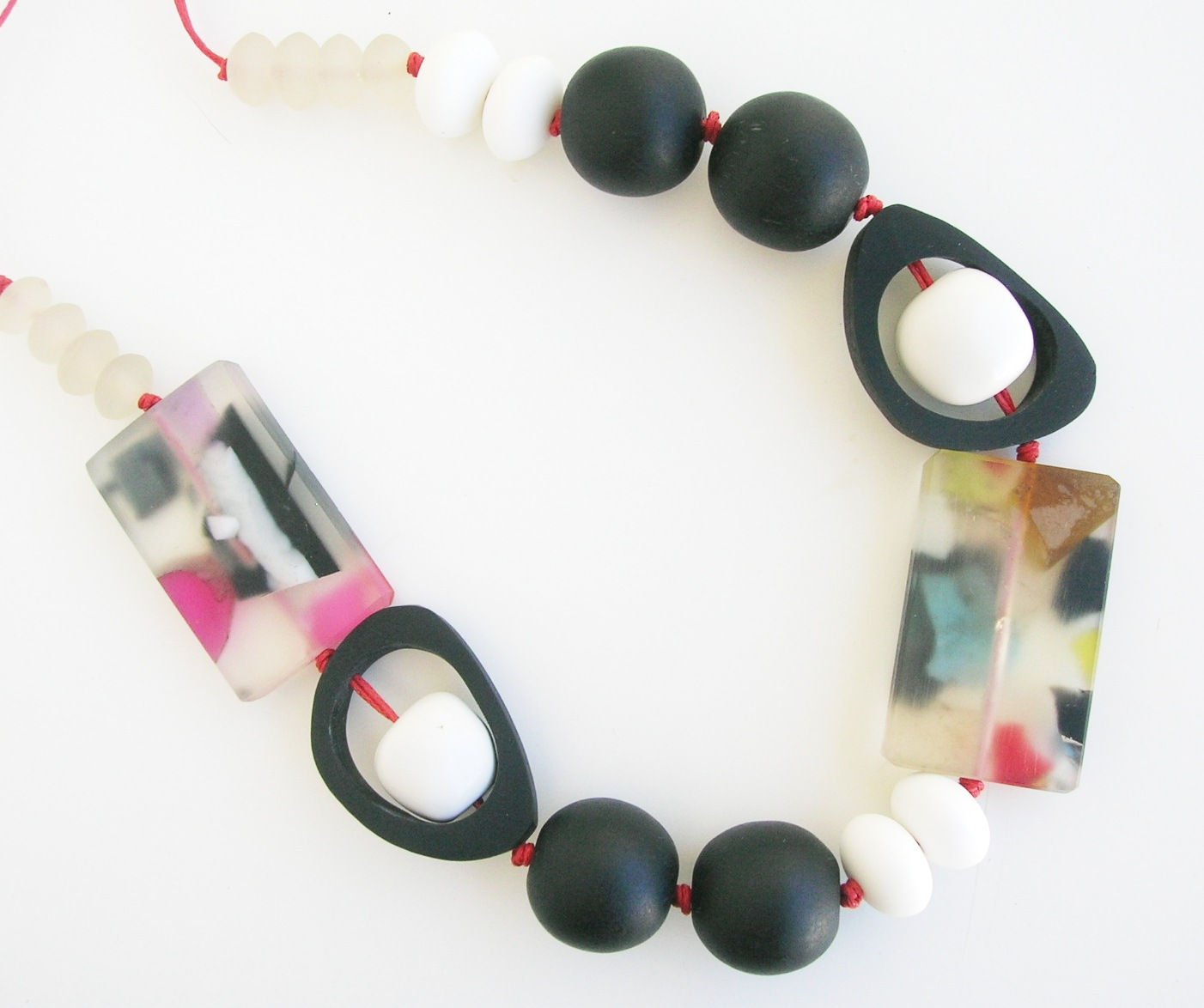 liquorice%2Bice%2Bsurprise%2Bnecklace We'll battle wits over esoterica large and small, past and present.