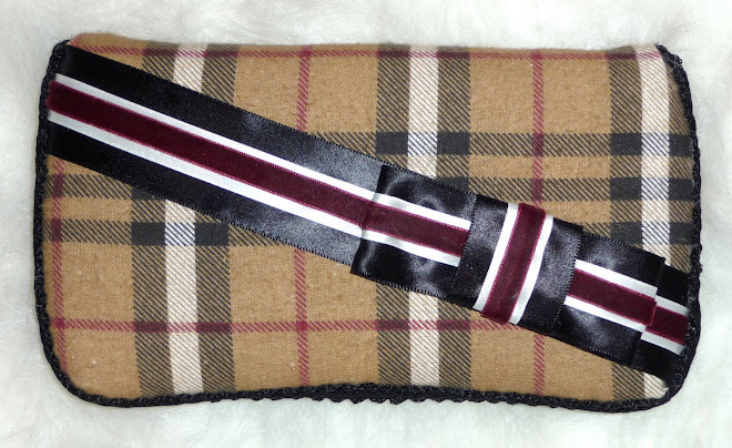 """BuRBeRRy"" iNsPiReD BoY's WiPe CaSe"