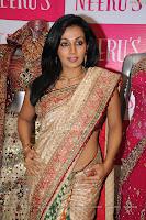 Sexy Tamil actress Flora in Saree, hot and sexy, Hot Saree Stills, Some hot desi indian girls, hot in tamil tamil photos,