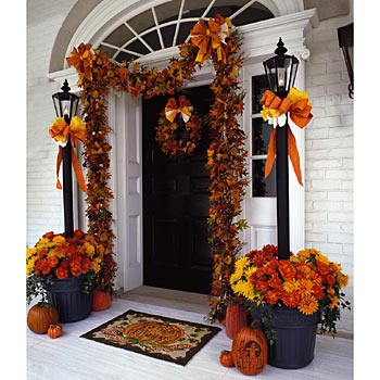 C b i d home decor and design halloween scary fun Beautiful fall front porches