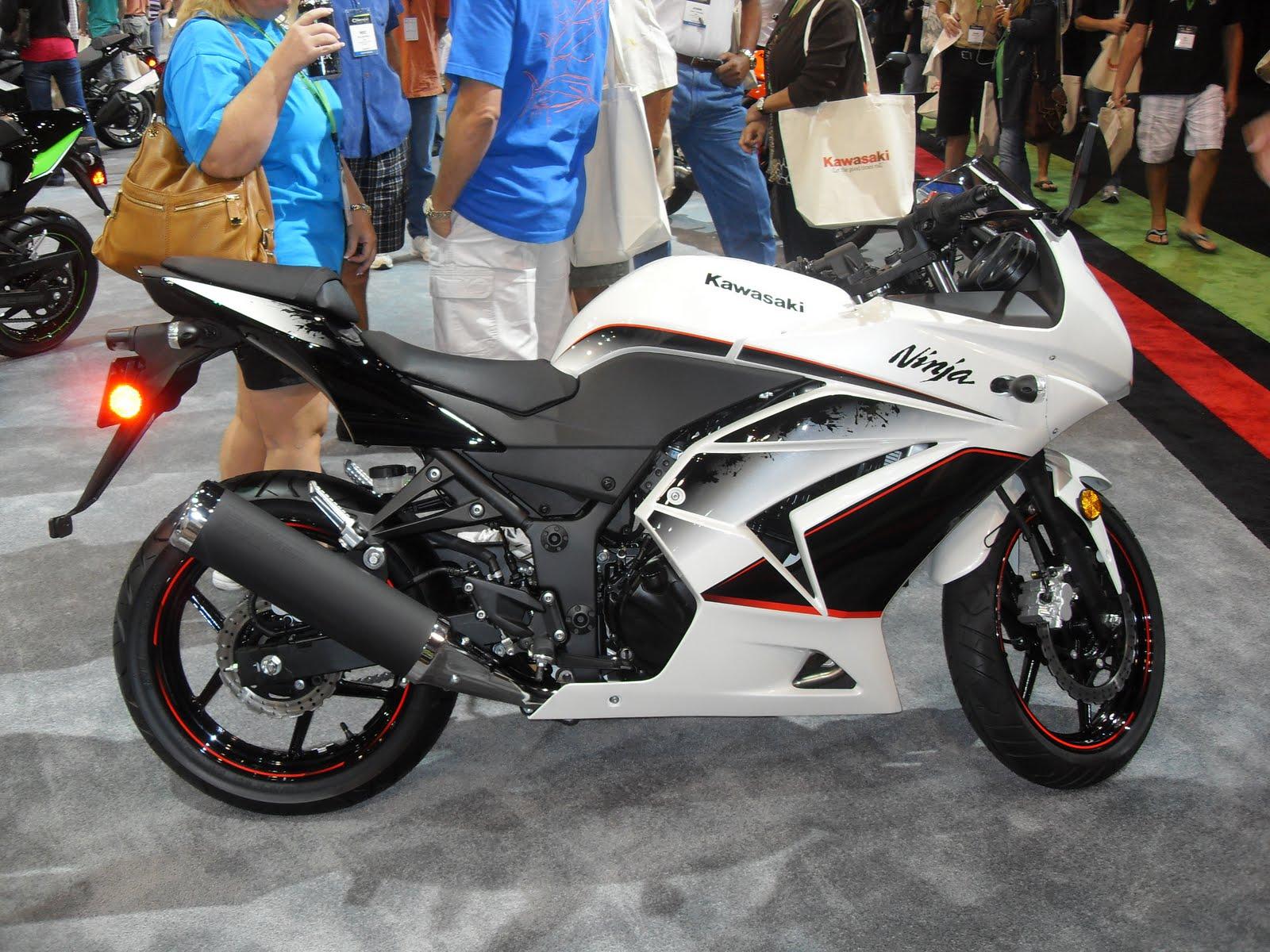 Centro Mondial Kawasaki: FOTOS EXCLUSIVAS KAWASAKI ZX 10R 2011