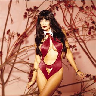 Julie Strain - Vampirella 3