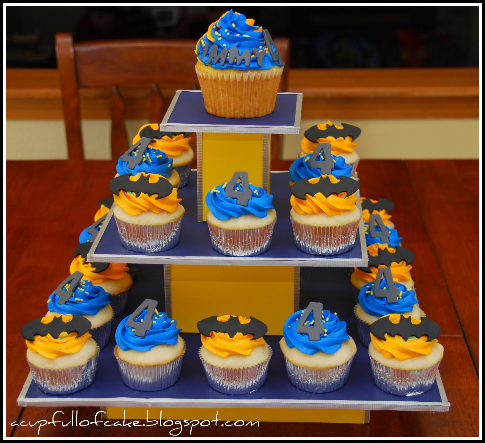 Birthday Cupcakes Designs: A Cup Full Of Cake: Holy Cupcakes Batman