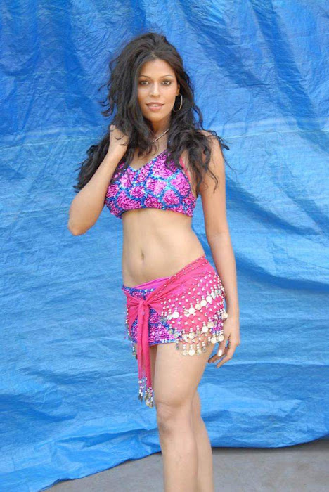 tollywood item girl jyothi raana from the backdrop of shooting spot latest photos
