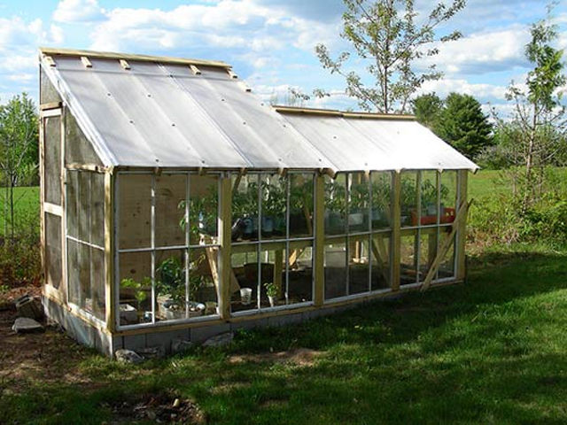 greenhouse above. It has the feel of both greenhouse and potting shed