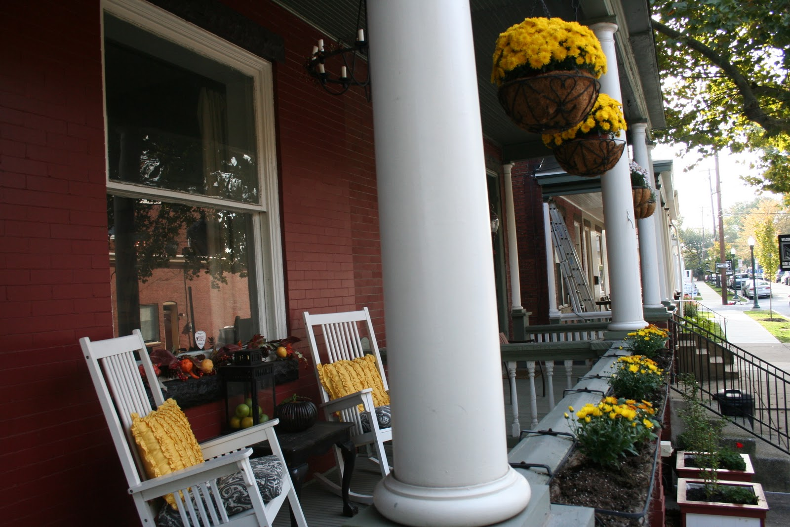 22 fall front porch ideas veranda home stories a to z - Fall Front Porch
