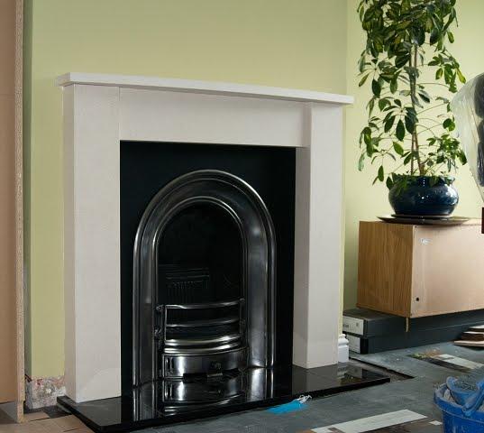 bligger blogger: The Fireplace...