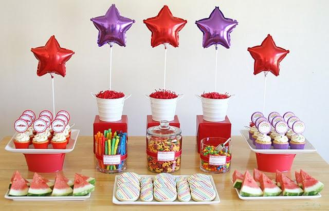 Todos os doces e as decorações você encontra aqui na Loja Santo