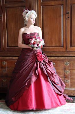Wedding Dress Designer Games on Wedding Dresses    Red Wedding Dress Bouquets