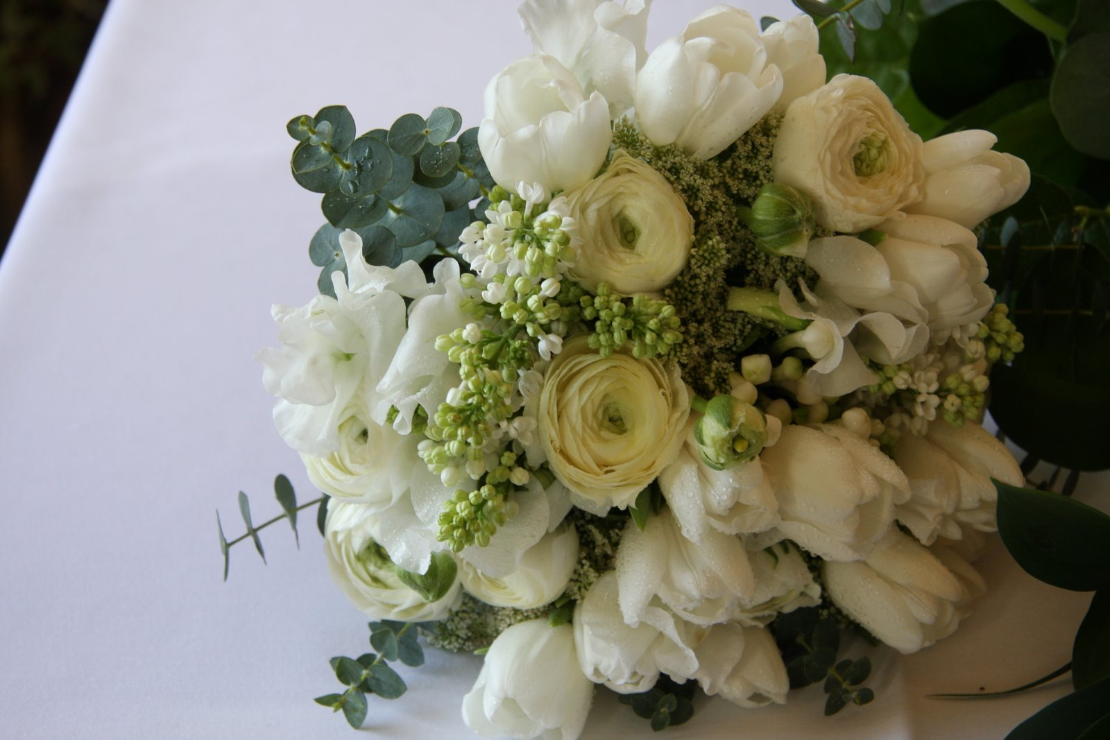 the flower magician all white spring wedding bouquet. Black Bedroom Furniture Sets. Home Design Ideas