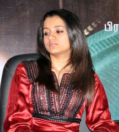 Trisha at kalavani Movie launch stills 4