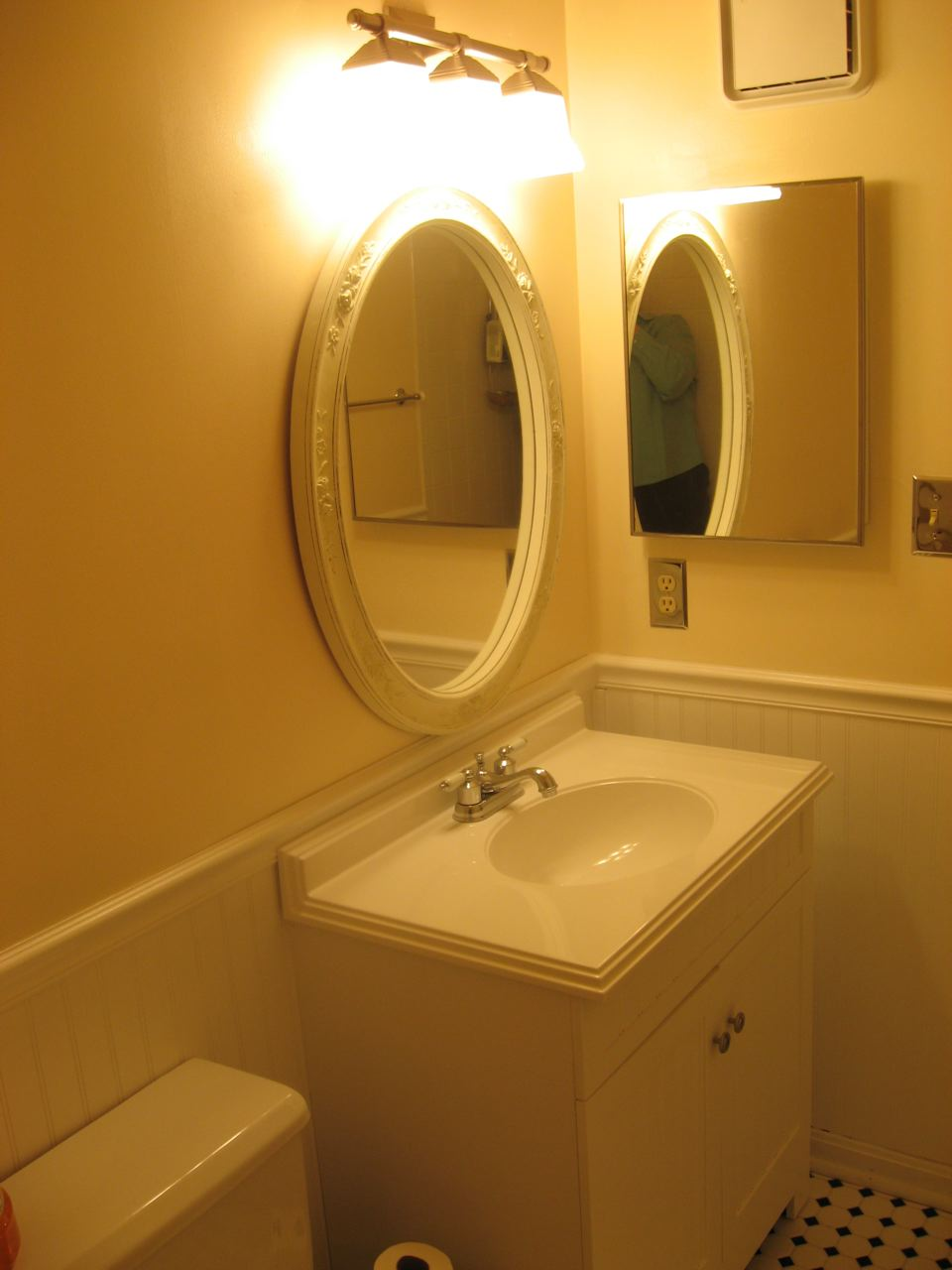 Wainscotting bathroom