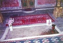 احتفال جوجل برام ستوكر مبدع dracula_tomb.jpg