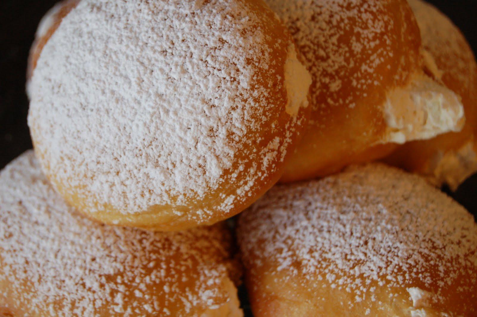 cream filled cupcakes vanilla cream filled doughnuts vanilla cream ...