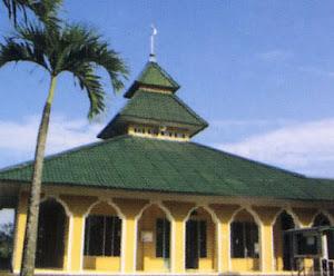 Perbaikan Plafon Masjid Akmaliah