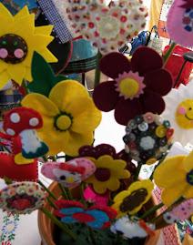 São flores! São pregadeiras!