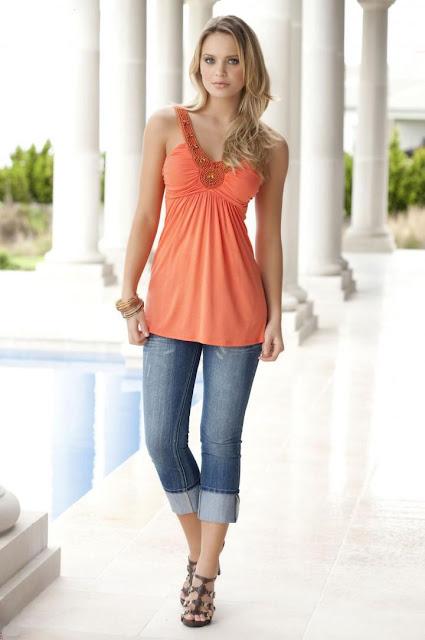 Brazilian model Elisandra Tomacheski