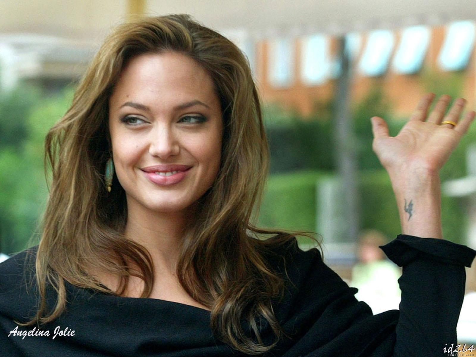 http://2.bp.blogspot.com/_UtNW1JfsC-M/TA6Ssn1TjMI/AAAAAAAAAvc/Y1OAamc6YRk/s1600/Angelina_Jolie+Hot+Girls+Inn.jpg+%288%29.jpg