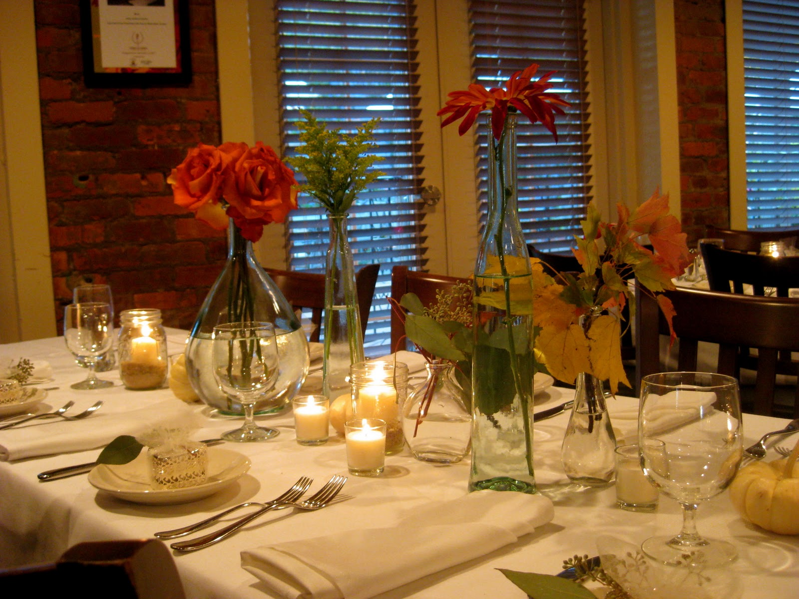 Southern by design how to decorate your thanksgiving table for Thanksgiving decorations for dining tables