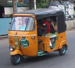 http://2.bp.blogspot.com/_Uu4fi29JXGE/R96f4ZNwTlI/AAAAAAAAAVI/GKkCOEaeoTU/s320/autorickshaw.jpg