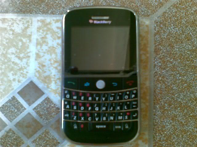 Replika Blackberry Bold B100
