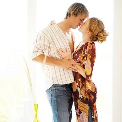 pareja besandose como encontrar a la pareja ideal